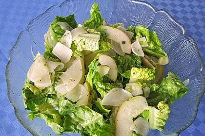 Lauwarmer Salat von Mairübchen, Birne und Mini-Romana