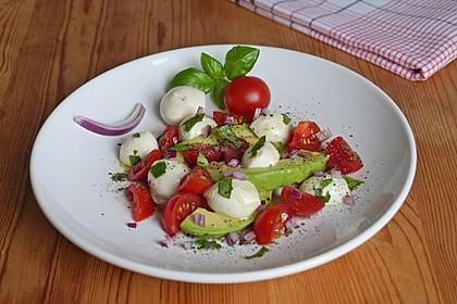 Tomate-Mozzarella-Avocado Salat 5