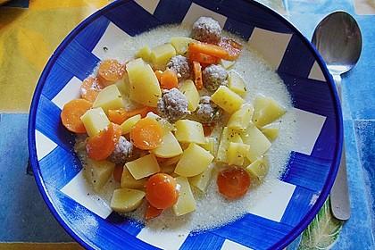 Möhren-Kartoffel Eintopf mit Klößchen