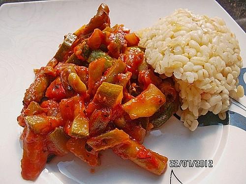 zucchini gem se mit gr nen bohnen und tomaten rezept mit bild. Black Bedroom Furniture Sets. Home Design Ideas