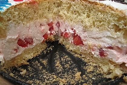Biskuit-Erdbeertorte 4