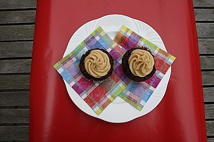 Vegane Schoko-Erdnussbutter-Cupcakes 5