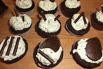 Schoko-Mint Cupcakes mit After-Eight Frosting 24