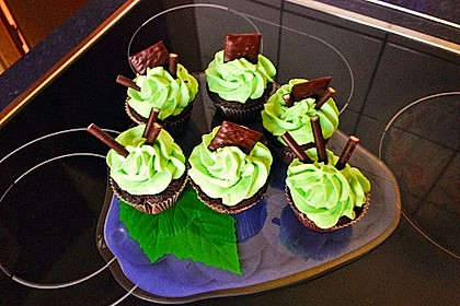 Schoko-Mint Cupcakes mit After-Eight Frosting 6