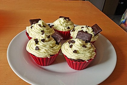 Schoko-Mint Cupcakes mit After-Eight Frosting 19