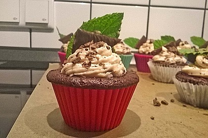Schoko-Mint Cupcakes mit After-Eight Frosting 15