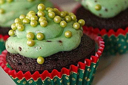 Schoko-Mint Cupcakes mit After-Eight Frosting 10