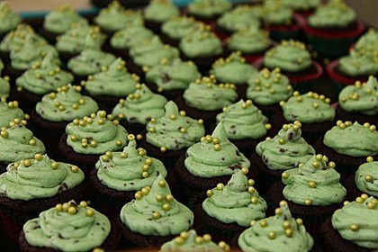 Schoko-Mint Cupcakes mit After-Eight Frosting 18