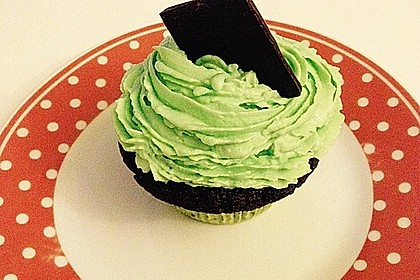 Schoko-Mint Cupcakes mit After-Eight Frosting 8