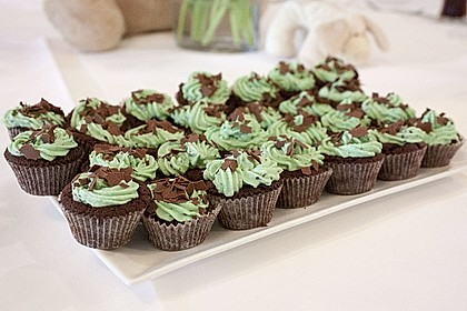 Schoko-Mint Cupcakes mit After-Eight Frosting 7