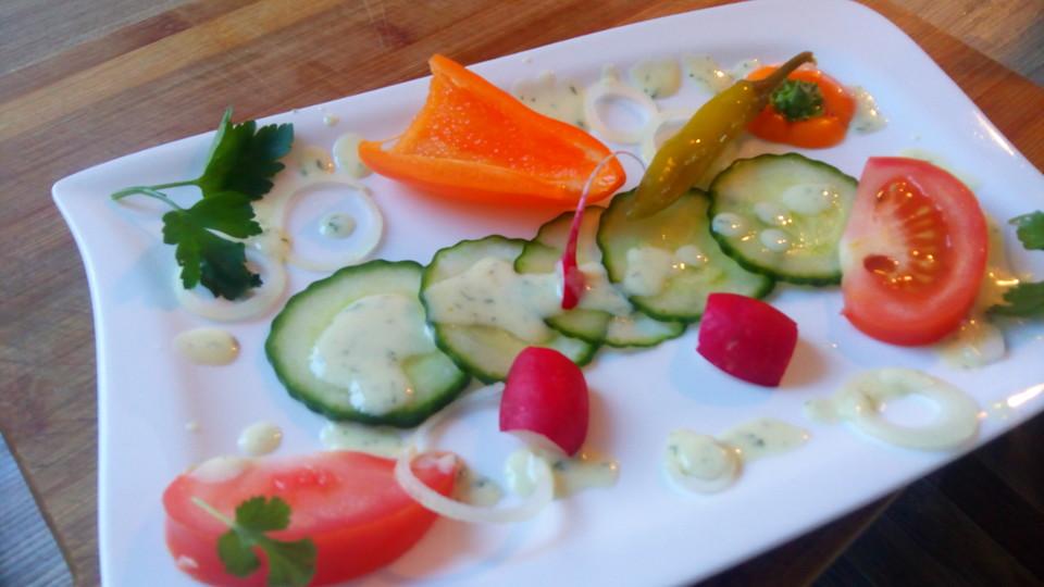 gurken radieschen salat rezept mit bild von baumfrau. Black Bedroom Furniture Sets. Home Design Ideas