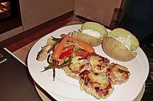 Schweinefilet-Bacon-Honig-Senf-Filets mit frischem Gemüse