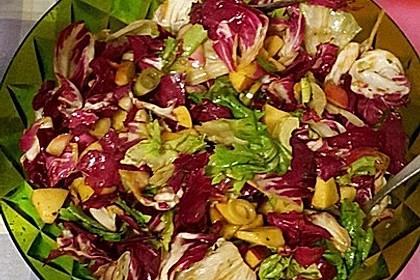 Apfel-Endivien-Salat mit Senfdressing 12