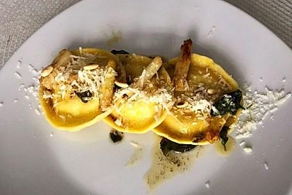 Ravioli, gefüllt mit Ricotta und Ziegenfrischkäse 1