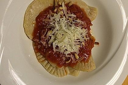 Ravioli, gefüllt mit Ricotta und Ziegenfrischkäse 17