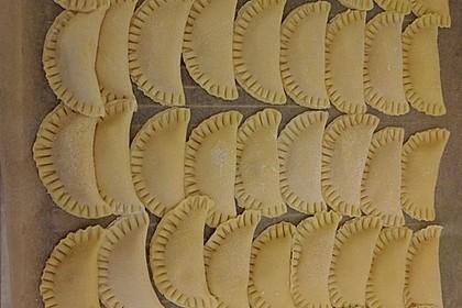 Ravioli, gefüllt mit Ricotta und Ziegenfrischkäse 11