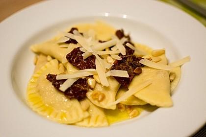 Ravioli, gefüllt mit Ricotta und Ziegenfrischkäse 5