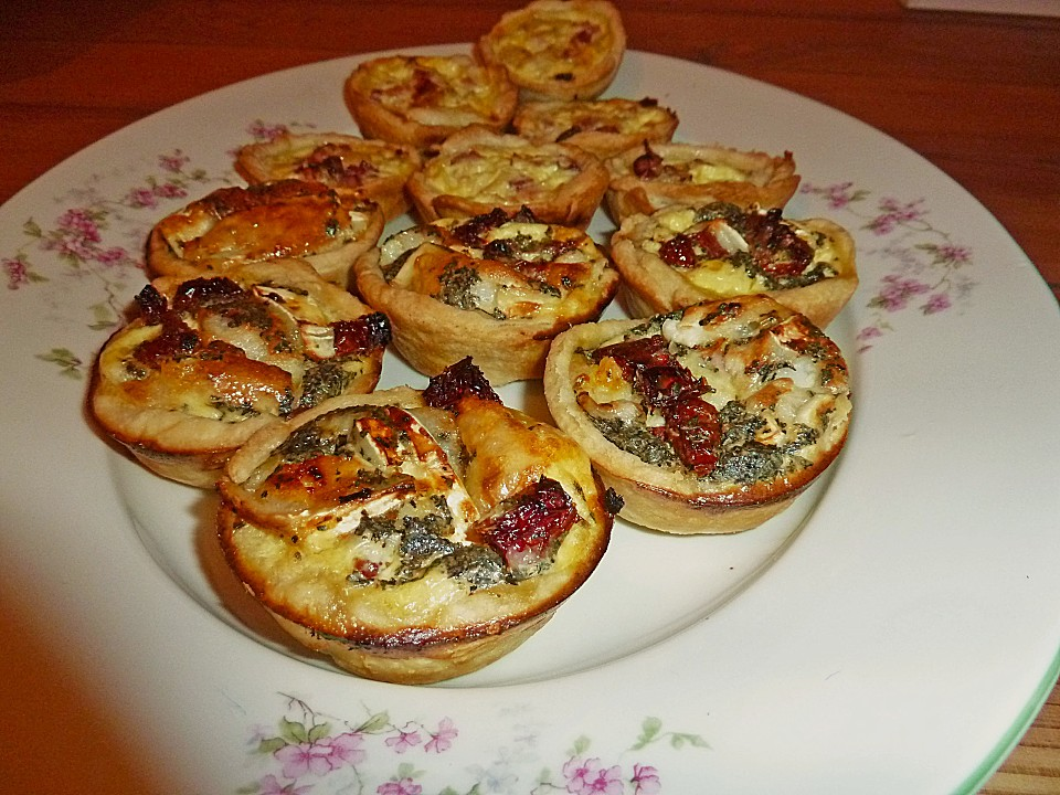 fingerfood quiches in 2 variationen rezept mit bild. Black Bedroom Furniture Sets. Home Design Ideas