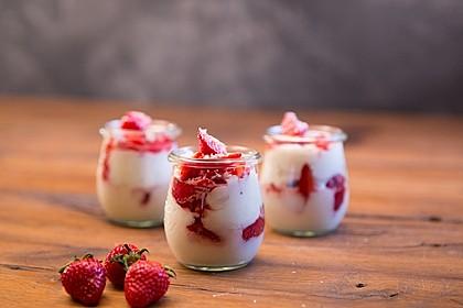 Erdbeer-Kokos-Dessert 2