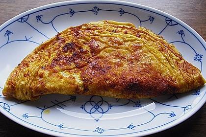 Schnelles Omelett mit Röstzwiebeln und Schinken