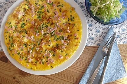 Schnelles Omelett mit Röstzwiebeln und Schinken 1