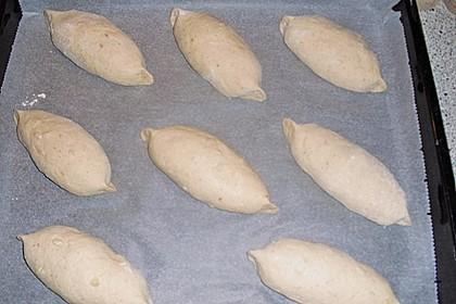 Macadamia-Röstzwiebel Brötchen 12