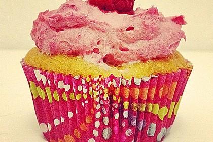 Himbeer-Joghurt-Cupcakes mit Himbeer-Frosting 19