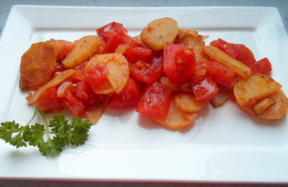 schnelle und einfache kartoffel tomaten pfanne rezept mit bild. Black Bedroom Furniture Sets. Home Design Ideas