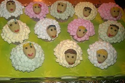Cupcake-Schafe mit Marshmallow-Frosting 183