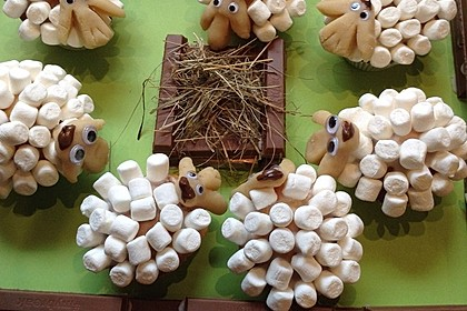 Cupcake-Schafe mit Marshmallow-Frosting 206