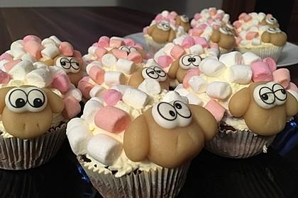 Cupcake-Schafe mit Marshmallow-Frosting 7