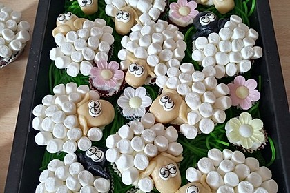 Cupcake-Schafe mit Marshmallow-Frosting 1