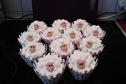 Cupcake-Schafe mit Marshmallow-Frosting 179