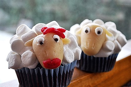 Cupcake-Schafe mit Marshmallow-Frosting 91