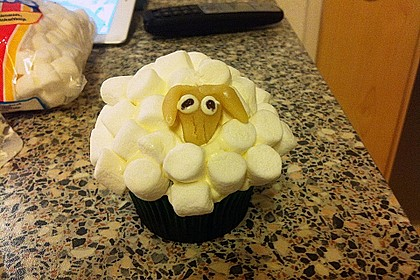 Cupcake-Schafe mit Marshmallow-Frosting 189