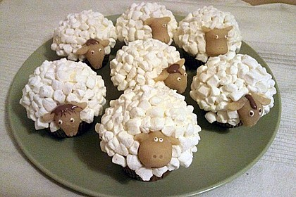 Cupcake-Schafe mit Marshmallow-Frosting 39