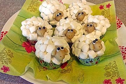 Cupcake-Schafe mit Marshmallow-Frosting 41