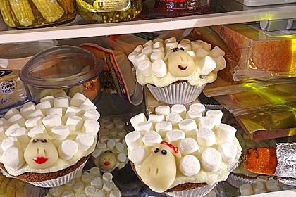 Cupcake-Schafe mit Marshmallow-Frosting 174