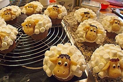 Cupcake-Schafe mit Marshmallow-Frosting 51