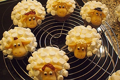 Cupcake-Schafe mit Marshmallow-Frosting 74