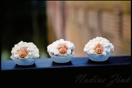 Cupcake-Schafe mit Marshmallow-Frosting 65