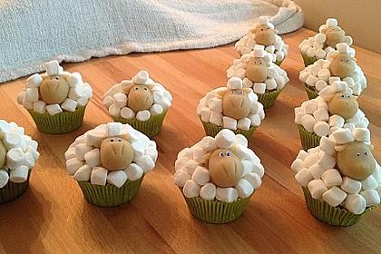 Cupcake-Schafe mit Marshmallow-Frosting 47