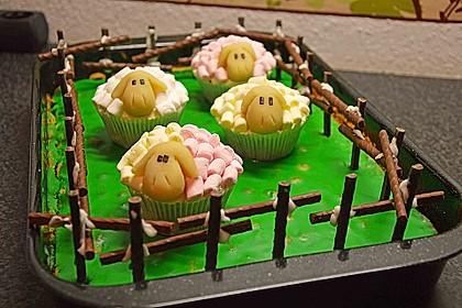 Cupcake-Schafe mit Marshmallow-Frosting 35