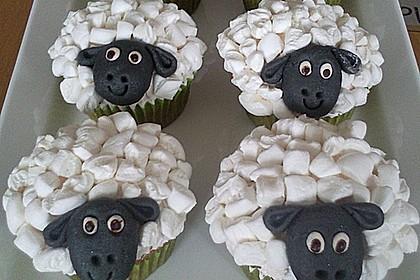 Cupcake-Schafe mit Marshmallow-Frosting 15