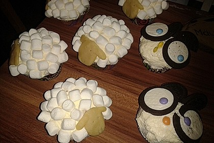 Cupcake-Schafe mit Marshmallow-Frosting 200