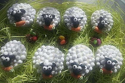 Cupcake-Schafe mit Marshmallow-Frosting 18