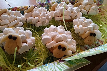 Cupcake-Schafe mit Marshmallow-Frosting 115