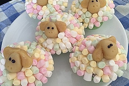 Cupcake-Schafe mit Marshmallow-Frosting 77