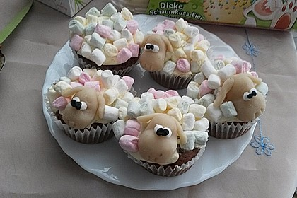 Cupcake-Schafe mit Marshmallow-Frosting 177