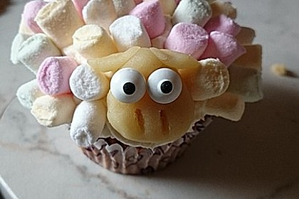 Cupcake-Schafe mit Marshmallow-Frosting 57